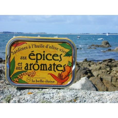 Sardines à l'huile d'olive vierge, aux épices et aux aromates