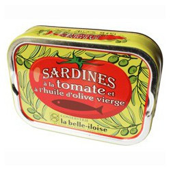 Sardines with tomato purée in olive oil