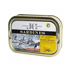 Sardines with lemon and pink berries in olive oil